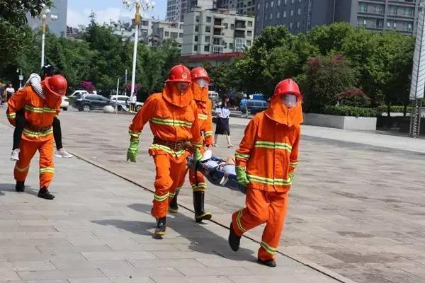 fun88国际酒店开展消防演习 提升员工消防作战能力.jpg